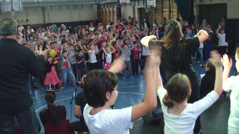 Közös tánc a Zipernowskyban Fotó: Nyári Pál