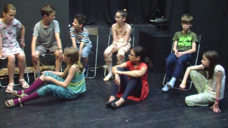 Színészmesterség a kicsik csoportjában (Fotó: Nyári Pál)