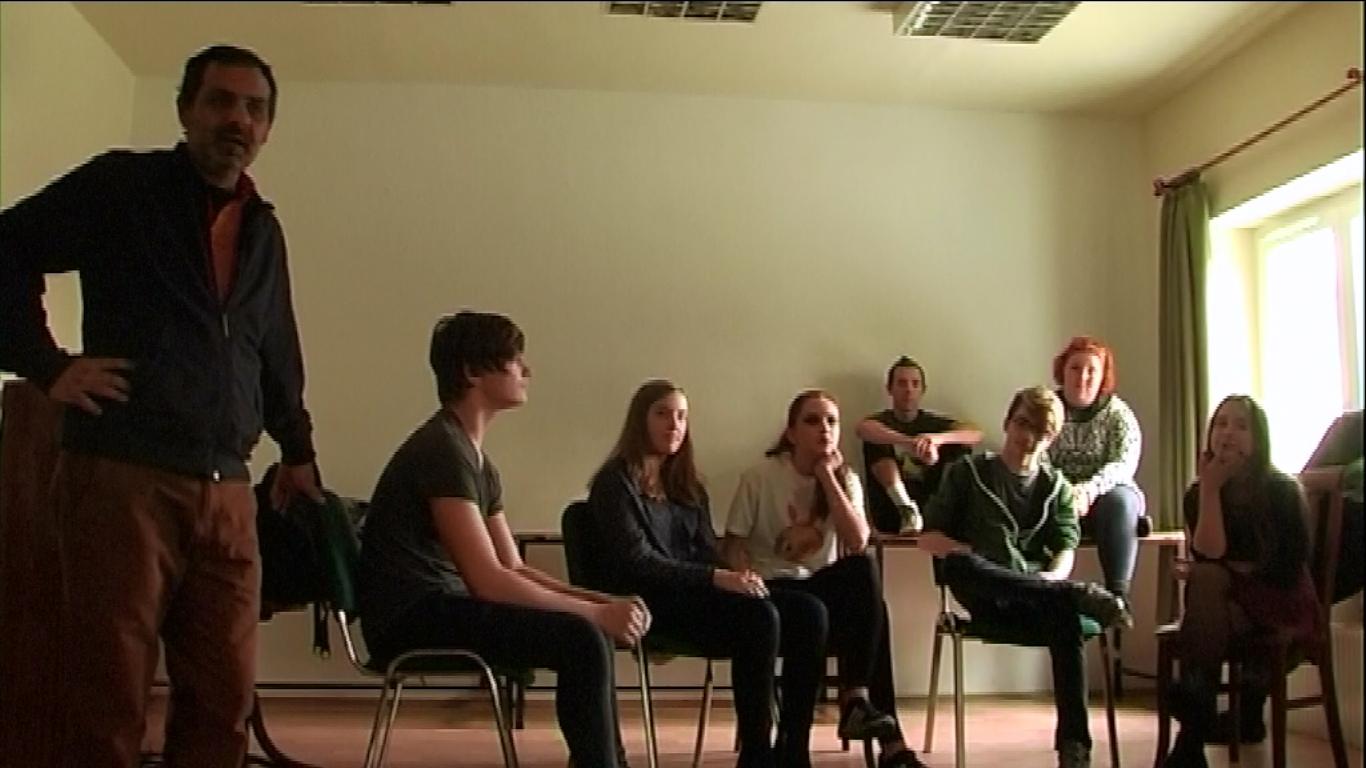 A foglalkozás egy jelenete Screenshot Simara László videójából