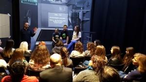 I1M online előadást feldolgozó beszélgetés a Karaván Szobaszínházban Fotó: Berecz Zsuzsi